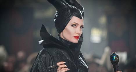 Pärjääkö Angelina Jolie Pahattarena Turun naurajille?