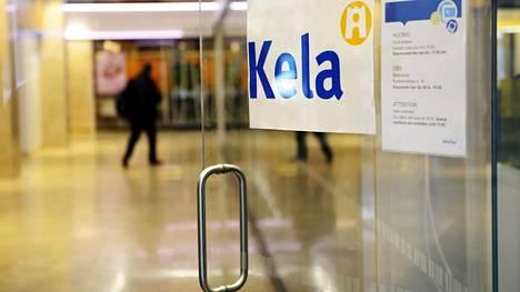 Korkeakouluopiskelijoiden terveydenhoitomaksun periminen siirtyy tammikuun alussa Kelan hoidettavaksi. Myös ammattikorkeakouluopiskelijat tulevat YTHS:n terveydenhoidon piiriin. Kelan Kampin toimipiste Helsingissä maaliskuussa 2017.