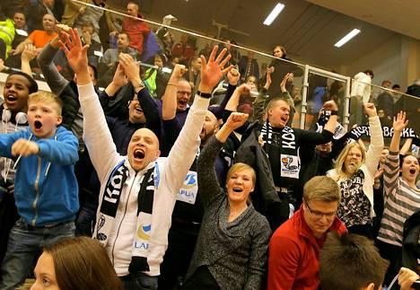 Tunnelma oli katossa, kun Kauhajoki ja Lapua kohtasivat paikallisottelussa.