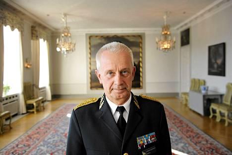 Ruotsin puolustusvoimien ylipäällikkö Sverker Göranson osallistui seminaariin Ruotsin suurlähetystössä Helsingissä 6. lokakuuta 2010.