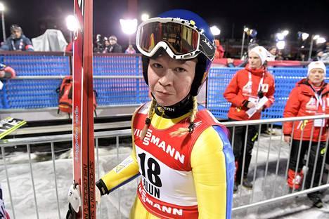 Julia Kykkänen kilpailee tänään naisten mäkikisassa.
