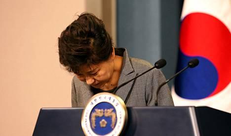Etelä-Korean presidentti Park Geun-Hye pyysi maanantaisessa televisiopuheessaan anteeksi matkustajalautan pelastustoimien epäonnistumista.