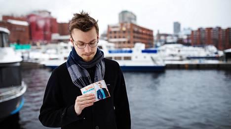 """""""Ensireaktioni oli aika epätoivoinen, kun on mukana ensimmäistä kertaa ja suhteellisen pienellä budjetilla"""", sanoo Tampereella kokoomuksen kuntavaaliehdokkaana oleva Arttu Rintanen vaalien siirtämisestä."""