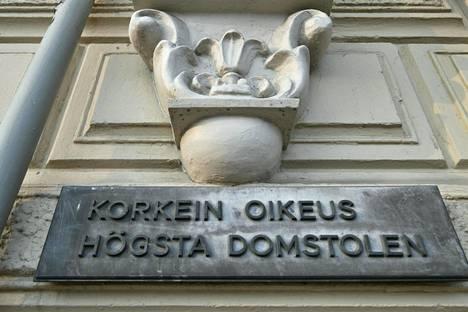 Korkein oikeus päätti, että talousrikoksiin syyllistyneen taloussihteerin sai irtisanoa, vaikka rikokset oli tehty vapaa-ajalla.