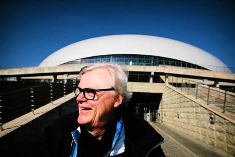 Alpo Suhonen suhtautui rennosti kaatumiseensa olympialaisten avajaisissa.