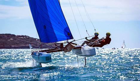 Sinem Kurtbay ja Janne Järvinen Nacra 17-luokan olympiakarsinnassa Lanzarotella.