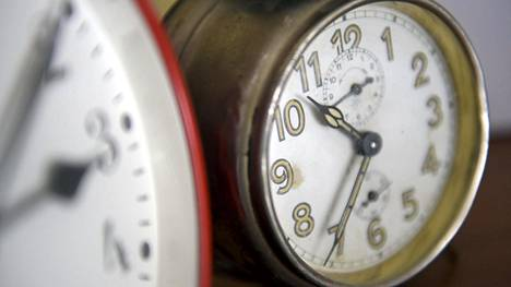 Euroopan komissio ehdotti kellojen siirtelyn lopettamista syyskuussa 2018