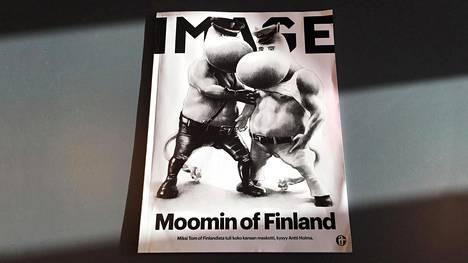 """Tuoreen Image-lehden kannessa on nahka-asuisia muumeja sekä teksti """"Moomin of Finland""""."""