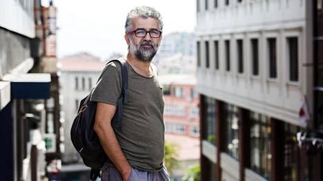 """""""Turkissa on vallalla pahin poliittinen ilmapiiri kahteen vuosikymmeneen"""", sanoo Erol Önderoglu, jota uhkaa pitkä vankeustuomio."""