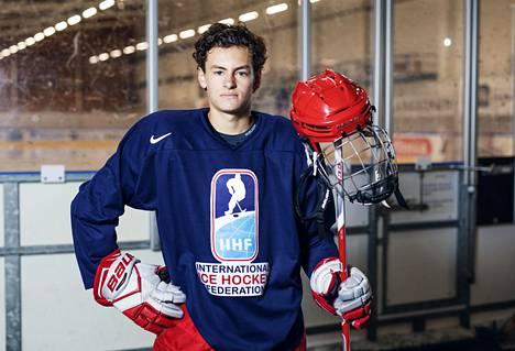 Meksikolainen Jack Rullan on jääkiekkoilijana kummajainen omassa maassaan.