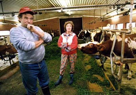 Maanviljelijät Sauli ja Salme Virtala odottelivat lokakuussa 1994 tilallaan Soinissa EU-jäsenyyttä pelonsekaisin tuntein.