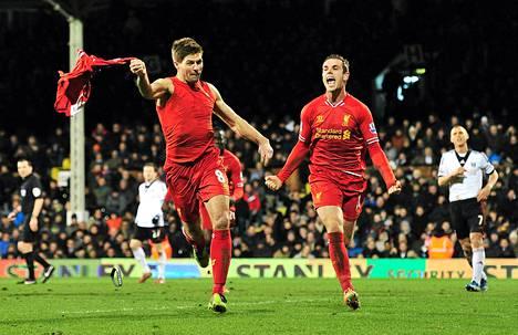 Steven Gerrad tuuletti innolla laukomaansa voittomaalia.