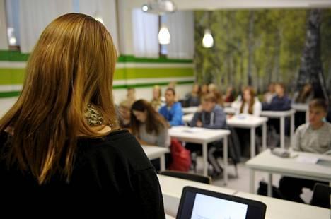 Kulosaaren kahdeksasluokkalaisia yhteisellä uskontojen ja elämänkatsomustiedon tunnilla lokakuussa 2013.