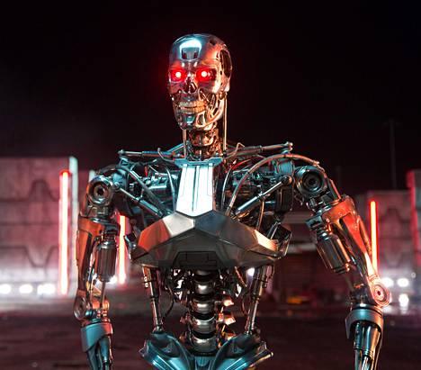 Uusi Terminator Genisys -elokuva sai Kiinassa maan viranomaisten mukaan vähemmän katsojia kuin valtion tuottama Sadan rykmentin offensiivi -propagandafilmi.