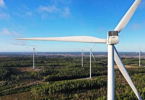 Santavuoren tuulivoimapuisto Ilmajoella, Etelä-Pohjanmaalla valmistui kesällä 2016.