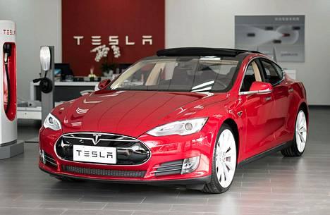 Teslan sähköautoa esiteltiin Kiinan Shanghaissa maaliskuussa.