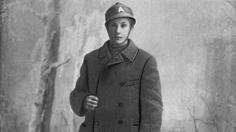 Pakinkylän 17-vuotias punakaartilainen Gösta Laine. Hän selvisi sisällissodasta hengissä ja sai kuuden vuoden vankeustuomion.