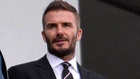 David Beckham (oik.) jutteli kokki Gordon Ramsayn kanssa Inter Miamin pelissä maaliskuun alussa.
