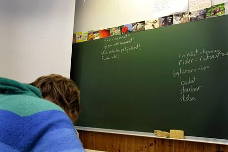 Suomen koulukuri on laskenut OECD:n vertailussa kolmanneksi huonoimmaksi.
