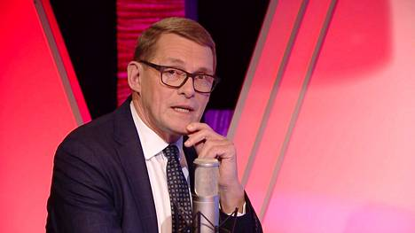 Alfa-tv:llä Matti Vanhanen kertoo tärkeistä asioista värikkäissä lavasteissa.