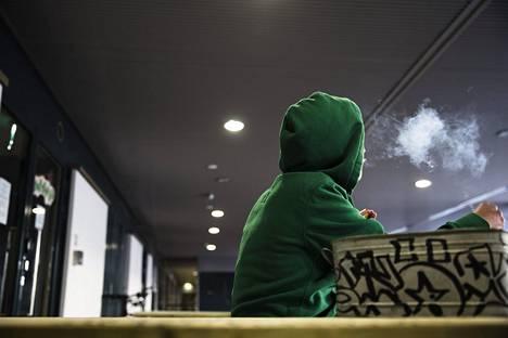 Nuorten asenteet huumausaineiden käyttöä kohtaan ovat muuttuneet entistä sallivammaksi, mikä huolettaa poliisia.