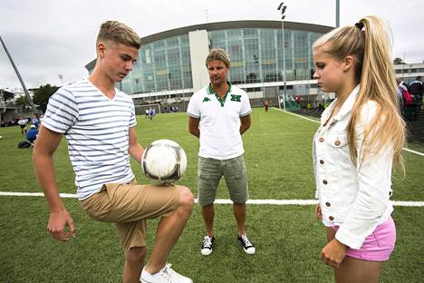 Rami Rantanen followed in the summer of 2013, when his 15-year-old twins Daniel and Amanda played ball on the Töölö ball field.
