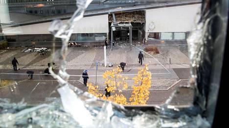 Helsingborgin räjähdys tuhosi suuren osan poliisiaseman pääsisäänkäynnistä ja rikkoi useita vastapäisen rakennuksen ikkunoita.