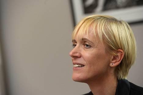 Iivi Anna Masson mukaan Helsingin Sanomat on kirjoittanut negatiivisia juttuja Virosta.