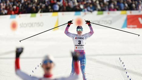 Krista Pärmäkoski voitti lauantaina hopeaa 15 kilometrin yhdistelmäkilpailussa.