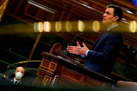 Espanjan pääministeri Pedro Sanchez aikoo esittää Eurooppa-neuvostolle jättirahastoa koronakriisin jälkihoitoon. Espanjan lisäksi Italia ja Ranska ovat kärsineet koronaviruksesta pahiten Euroopassa.