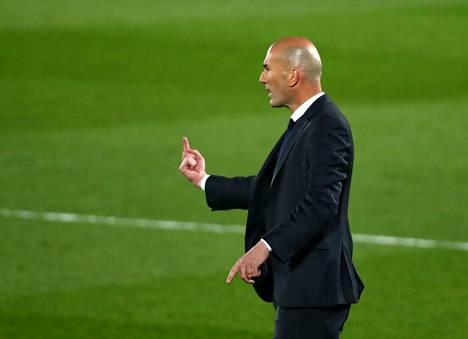 Zinedine Zidane on lähdössä Real Madridista.