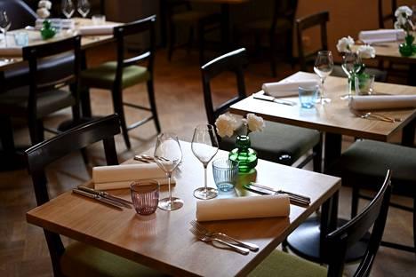 Istumapaikkavaatimus tulee poistumaan ravintoloista perustason alueilla.
