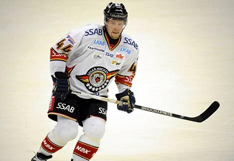 Janne Niinimaa pelasi viime kaudella Ruotsin liigaa Luulajassa.
