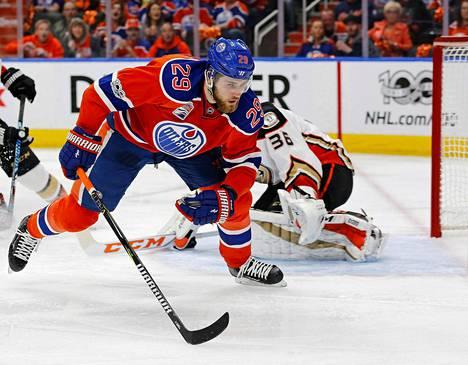 Leon Draisaitlin Edmonton putosi Anaheimia vastaan otteluvoitoin 3–4.