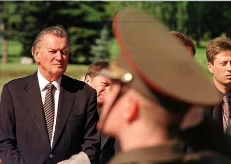 Nikolai Romanov osallistui tsaariperheen uudelleen hautaamiseen vuonna 1998.