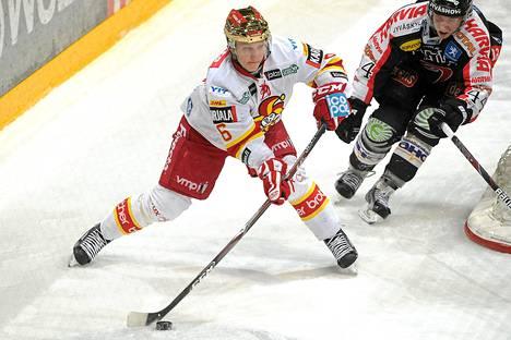 Jokerien Teemu Pulkkinen pelaa tänään A-nuorten SM-liigan finaalissa.