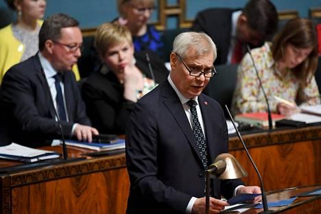 Pääministeri Antti Rinne eduskunnassa.