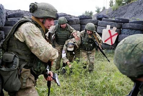 Donetskin ja Luhanskin erityisjoukot harjoittelivat Donetskissa 12. heinäkuuta.