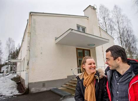 Suomessa toimivien venäläisyhtiöiden toimialat vaihtelevat laidasta laitaan. Yrittäjät Anastasija ja Pjotr Žabin ostivat Imatralta entisen varuskuntasairaalan ja remontoivat sen hostelliksi.