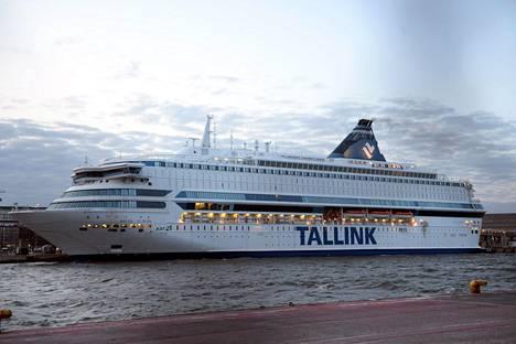 THL:n tiedossa on yksi lieväoireinen henkilö, joka on Silja Europan Tallinnan-risteilyllä 30.6. ja 1.7. välisenä aikana oleskellut pidempiä aikoja laivan yleisissä tiloissa.