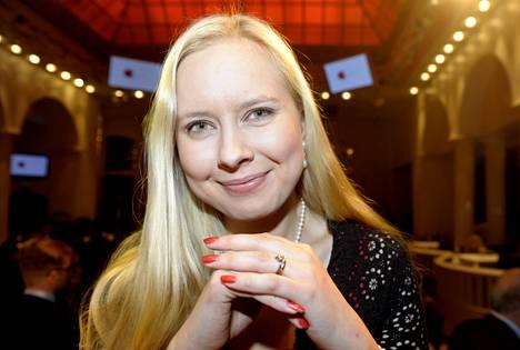 Elina Lappalaisen esikoisteoksen pohjana ovat suomalaista lihantuotantoa käsittelevät kirjoitukset, joita hän teki Helsingin Sanomissa työskennellessään.