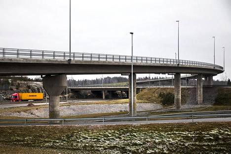 Västersundomin silta Vantaalla oli yksi Liikenneviraston aiemmin tutkimista silloista.