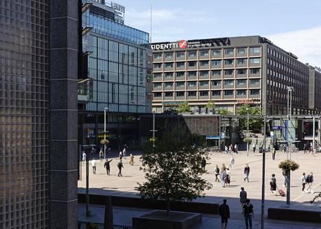 Vähäisen kysynnän vuoksi Sokos Hotels on yrittänyt markkinoida Helsinkiä lähilomakohteena paikallisille.