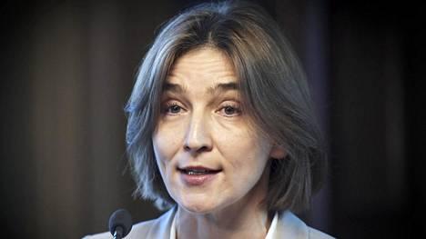 Professori Anu Kantola toivoo selkeää eroa Ylen ja poliitikkojen väliin.