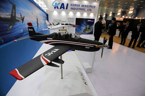 Badgadin asemessuilla tuotteitaan esitteli muun muassa eteläkorealainen lentokonevalmistaja.