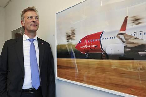 Lentoyhtiö Norwegianin varatoimitusjohtaja Tore Østby kävi tiistaina yhtiön Helsinki-Vantaan toimistolla.
