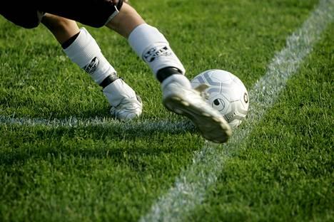 Urheilun suurimmat lajiliitot ovat yhteistyössä Väestöliiton kanssa häirinnän vastaisessa työssä.