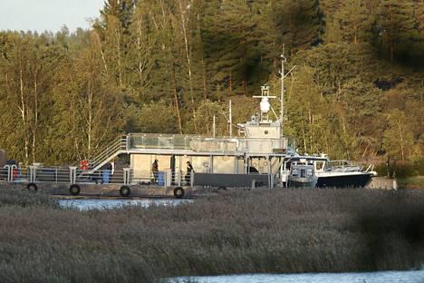 Poliisioperaatio oli käynnissä vielä iltaseitsemän aikaan Paraisilla Airiston Helmen alueella.