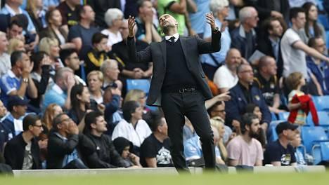 Manchester Cityn Josep Guardiola eli tunteella mukana sunnuntain ottelussa.