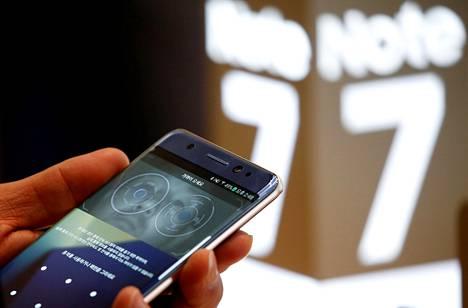 Galaxy Note 7:n piti olla yksi Samsungin lippulaivatuotteista. Sen sijaan siitä on tullut kiviriippa, joka uhkaa upottaa yhtiön brändin.